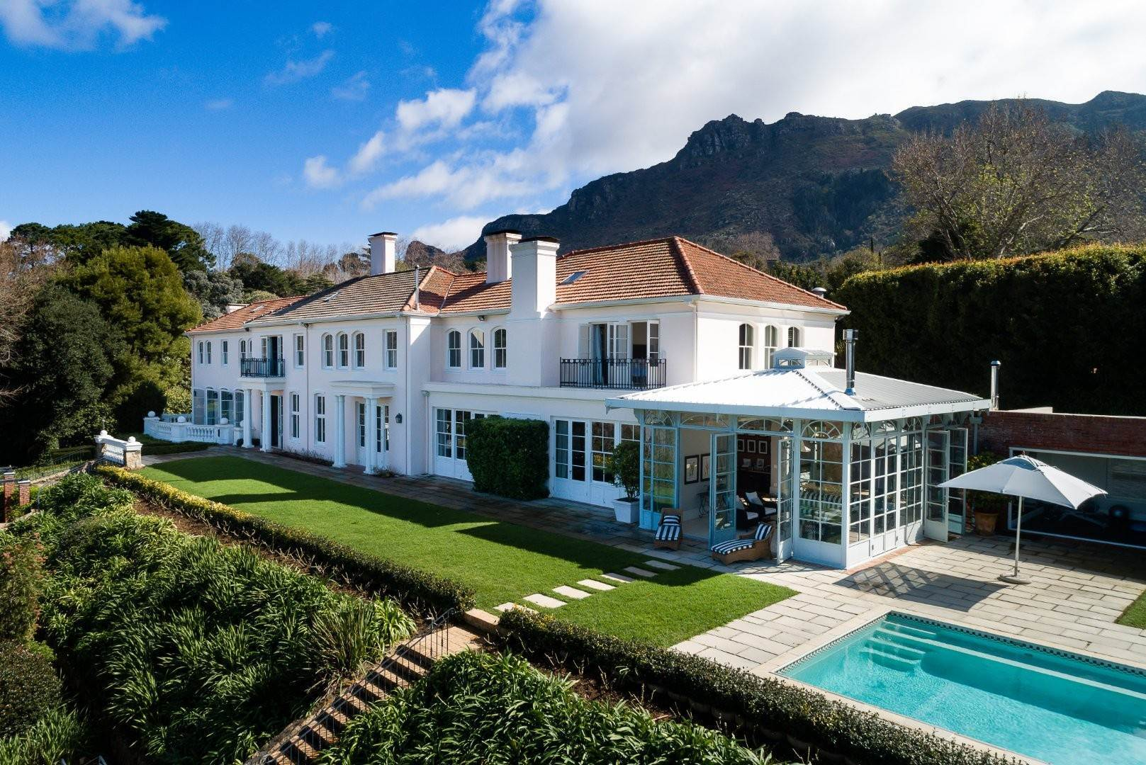 4. Estate for Sale at A MAJESTIC RESIDENCE WITH UNDENIABLE GLOBAL APPEAL Constantia, South Africa