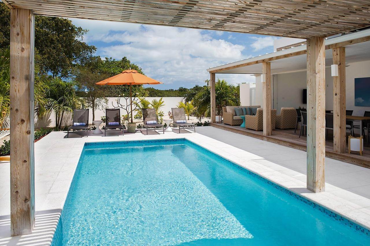 5. Single Family Home for Sale at Turnstone House Leeward, Providenciales,TKCA1ZZ Turks And Caicos Islands