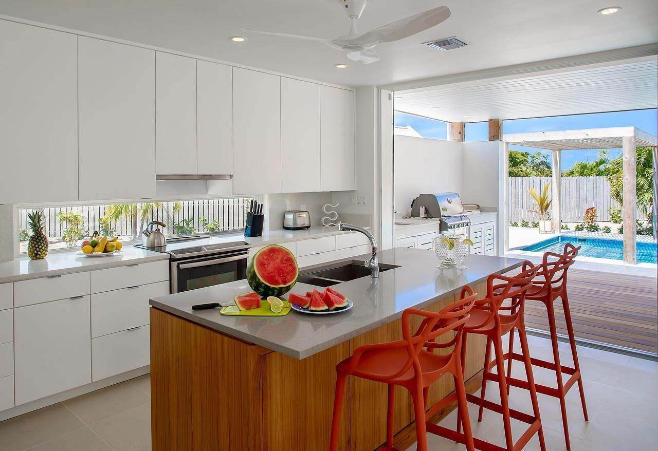 6. Single Family Home for Sale at Turnstone House Leeward, Providenciales,TKCA1ZZ Turks And Caicos Islands