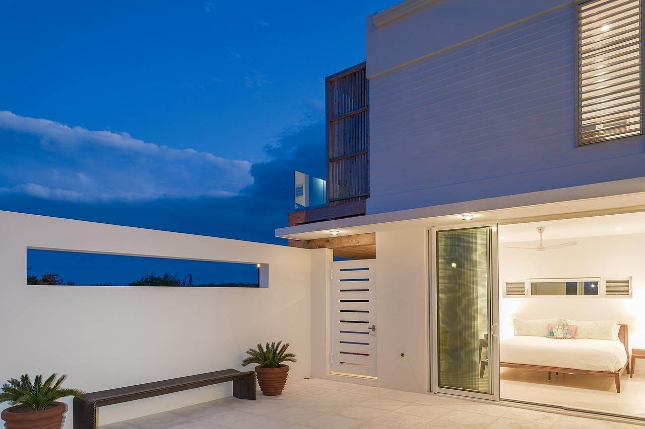 10. Single Family Home for Sale at Turnstone House Leeward, Providenciales,TKCA1ZZ Turks And Caicos Islands