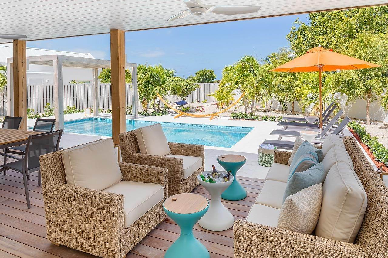 18. Single Family Home for Sale at Turnstone House Leeward, Providenciales,TKCA1ZZ Turks And Caicos Islands