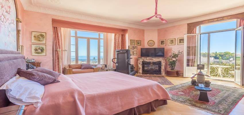 4. Residence/Apartment for Sale at Large 6 roomed apartment in the Condamine area 98000 Monaco