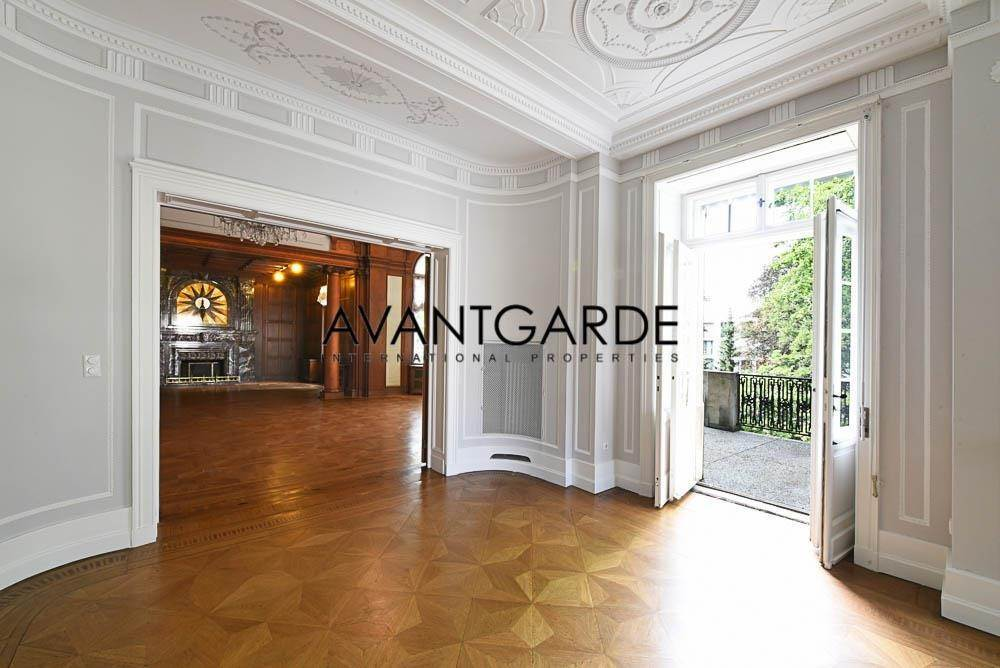 Villa/Townhouse for Sale at Glamorous Residence Dobling, Vienna,1190 Austria