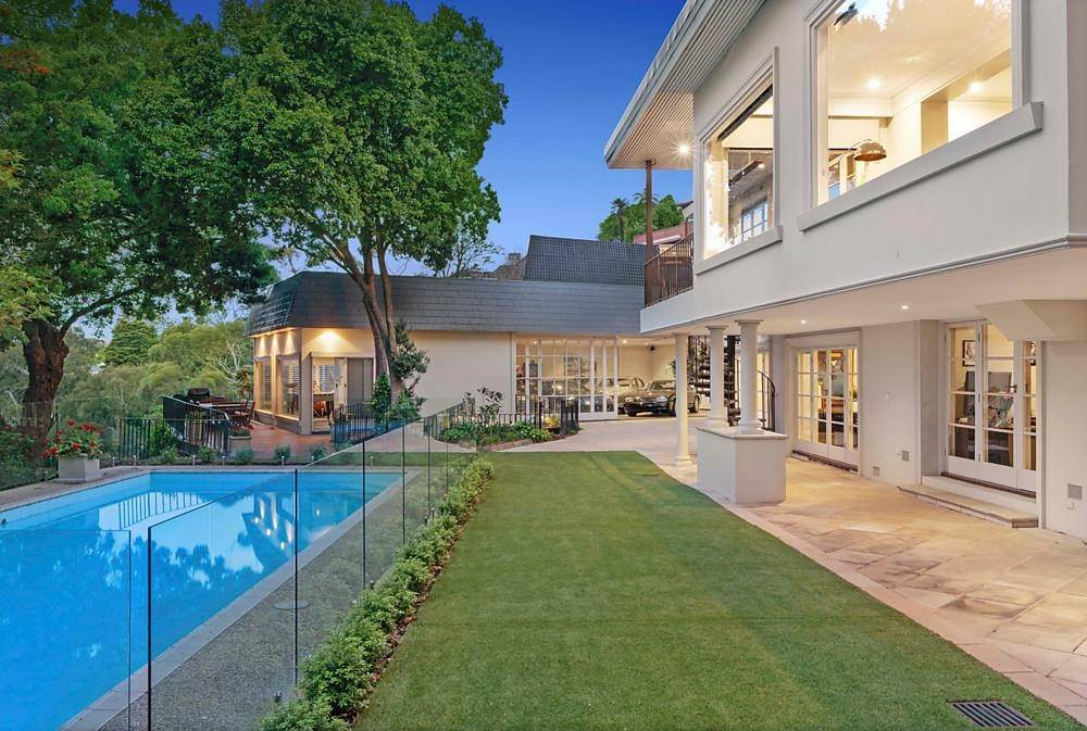 2. Single Family Home 为 销售 在 Private Toorak Sanctuary, Spectacular Yarra River Views 818 Orrong Road, Toorak 维多利亚,3142 澳大利亚