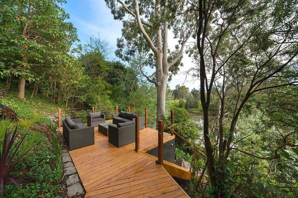 6. Single Family Home 为 销售 在 Private Toorak Sanctuary, Spectacular Yarra River Views 818 Orrong Road, Toorak 维多利亚,3142 澳大利亚