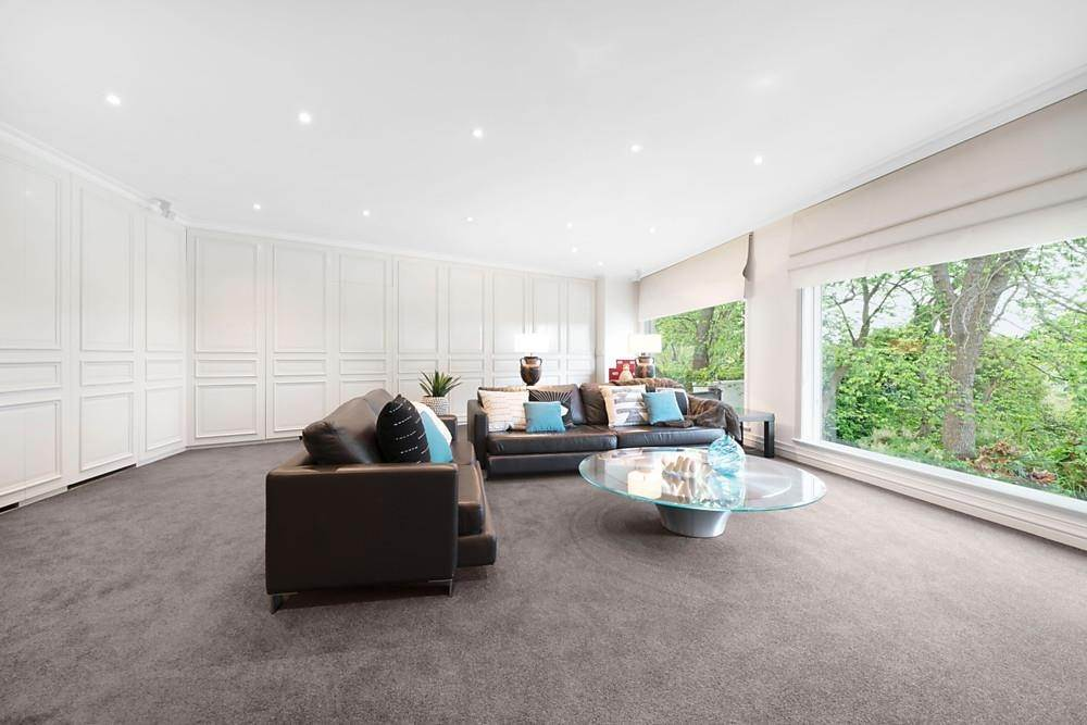 12. Single Family Home 为 销售 在 Private Toorak Sanctuary, Spectacular Yarra River Views 818 Orrong Road, Toorak 维多利亚,3142 澳大利亚