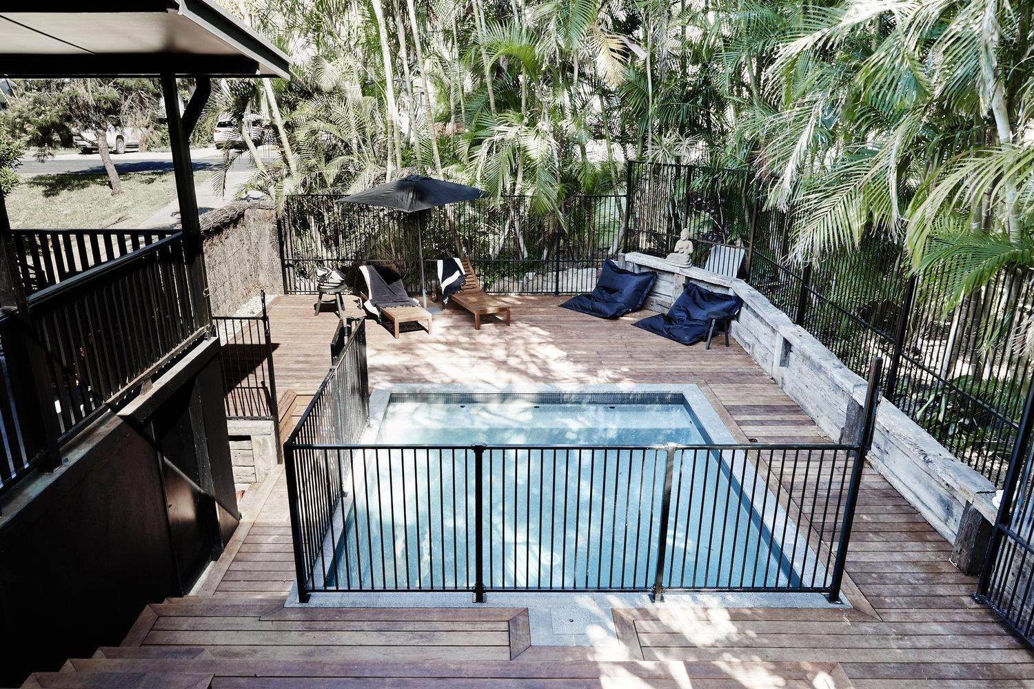 23. Single Family Home for Sale at Byron Bay Black 69 Kingsley Street Byron Bay, New South Wales,2481 Australia