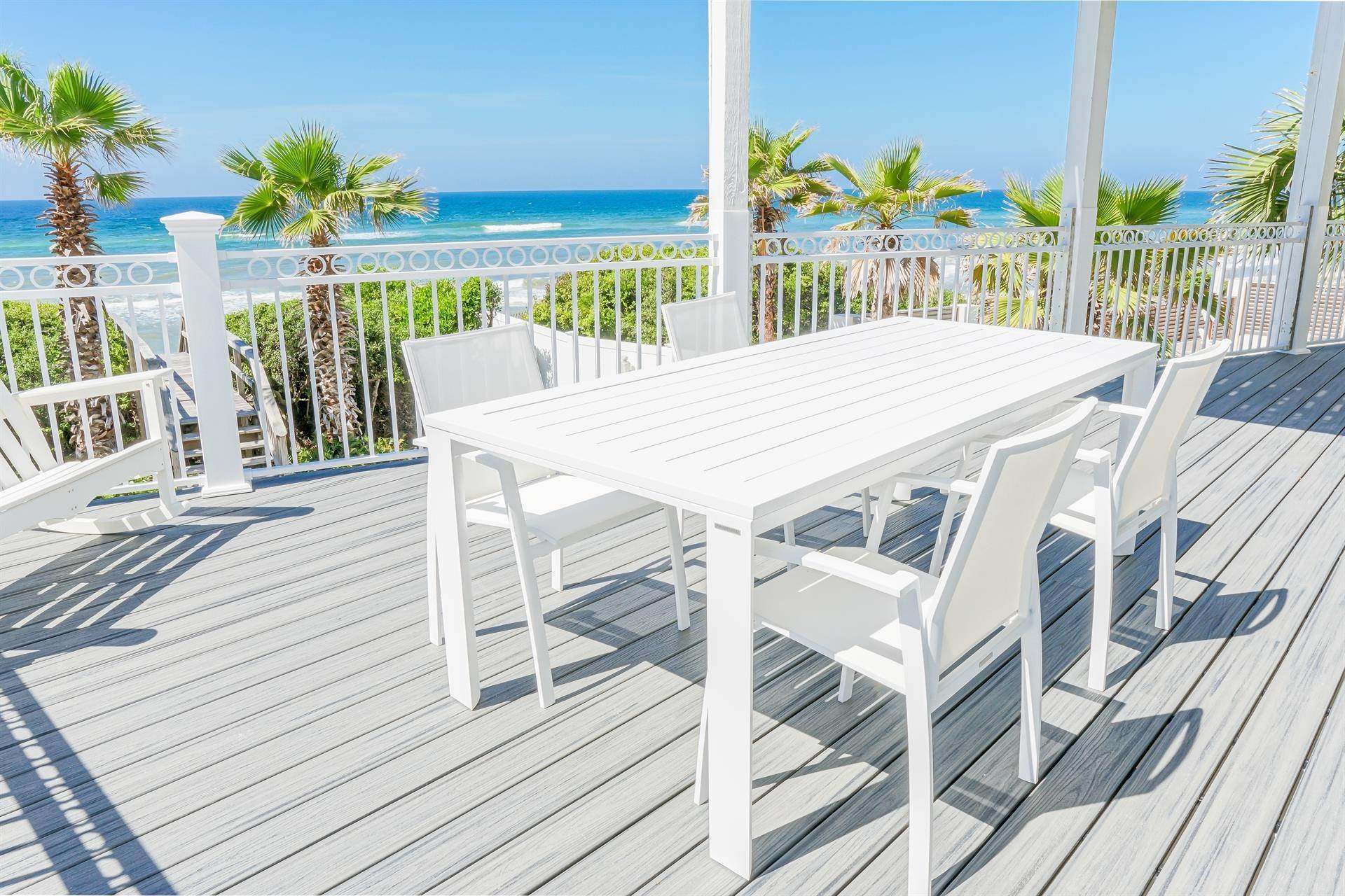 19. Single Family Home 为 出租 在 Oceanfront on Scenic 30A, Florida 8870 E. County Hwy 30A, Seacrest, FL 32461 西克雷斯特, 佛罗里达州,32461 美国