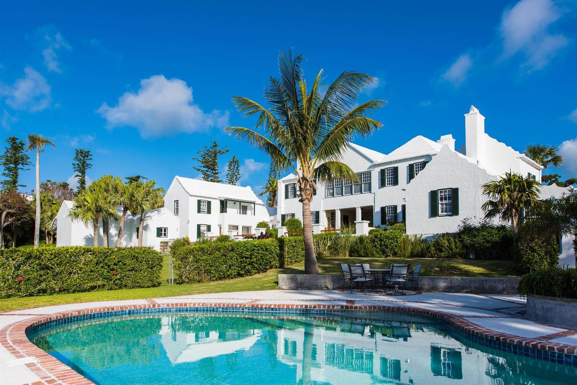 2. Địa ốc vì Bán tại Bellevue Estate At Grape Bay Beach 6 Bellevue Drive Paget Parish, Bermuda,PG06 Bermuda