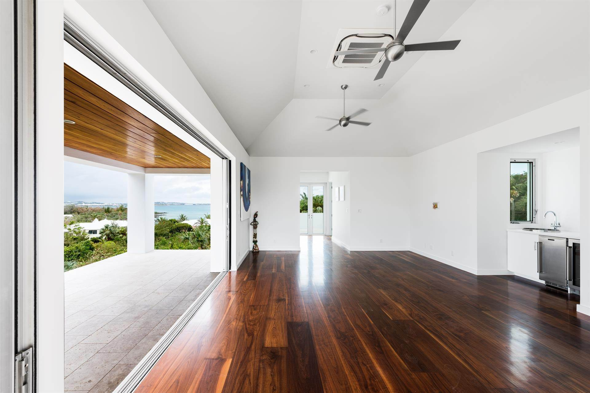 19. Single Family Home のために 売買 アット Georgetown - Bermuda's Modern House 50A Harrington Sound Road Hamilton Parish, Bermuda,CR04 バミューダ
