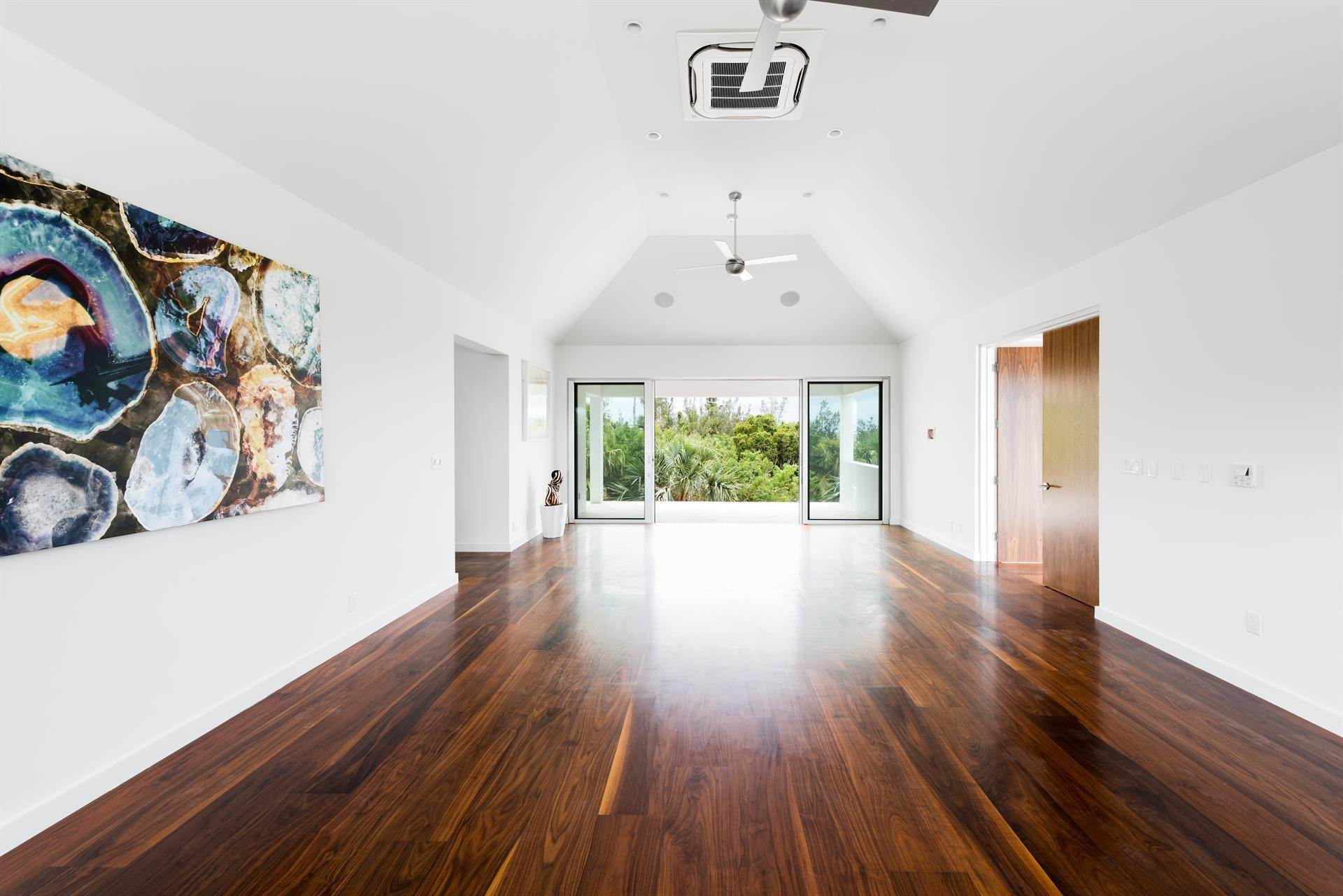 22. Single Family Home のために 売買 アット Georgetown - Bermuda's Modern House 50A Harrington Sound Road Hamilton Parish, Bermuda,CR04 バミューダ