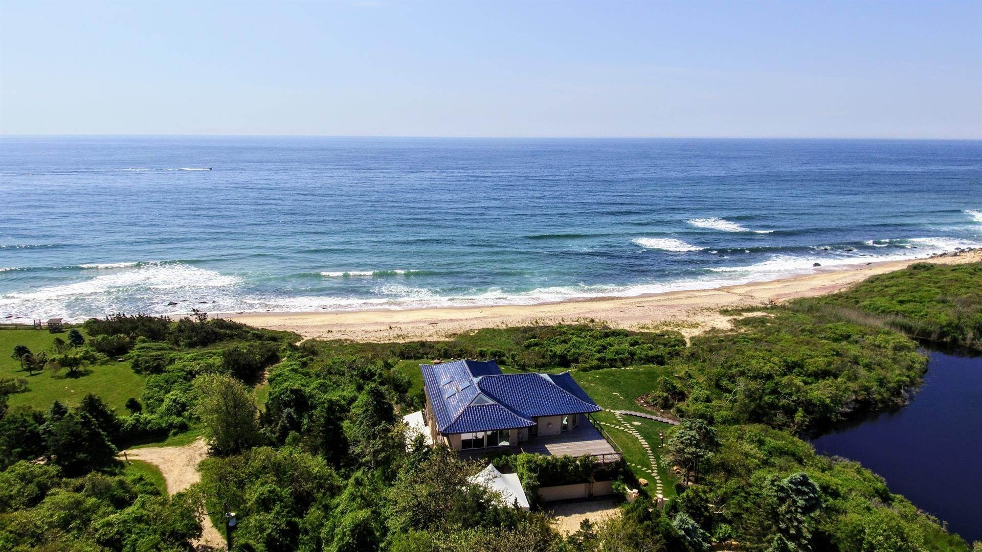 2. Single Family Home 용 매매 에 Montauk Oceanfront Paradise, 36 acres of Private Land Montauk, 뉴욕,11954 미국