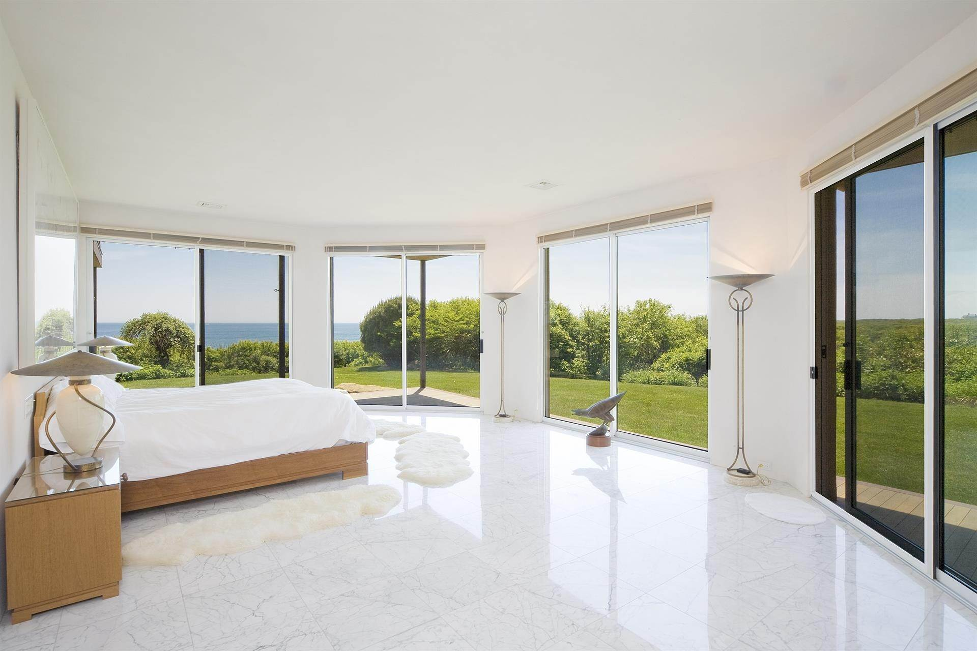 16. Single Family Home 용 매매 에 Montauk Oceanfront Paradise, 36 acres of Private Land Montauk, 뉴욕,11954 미국