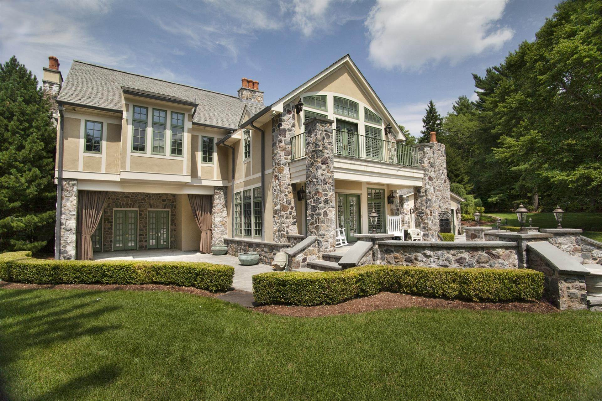 21. Single Family Home 為 出售 在 Celebrity Stunner - 5+ Acre Family Compound Saddle River, 新澤西州,07458 美國