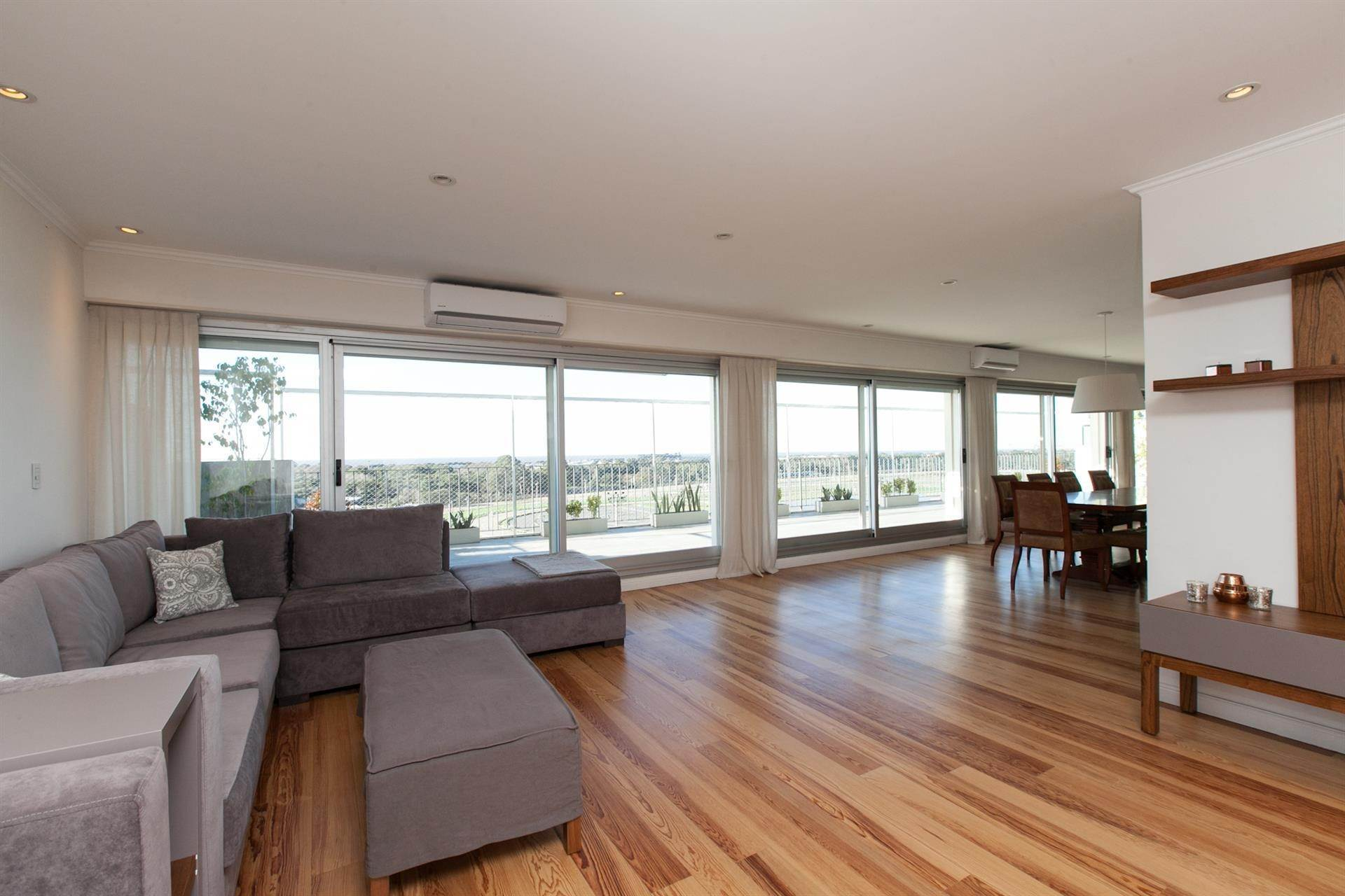 4. Residence/Apartment for Sale at Unique floor with unbeatable views. Palermo, Argentina