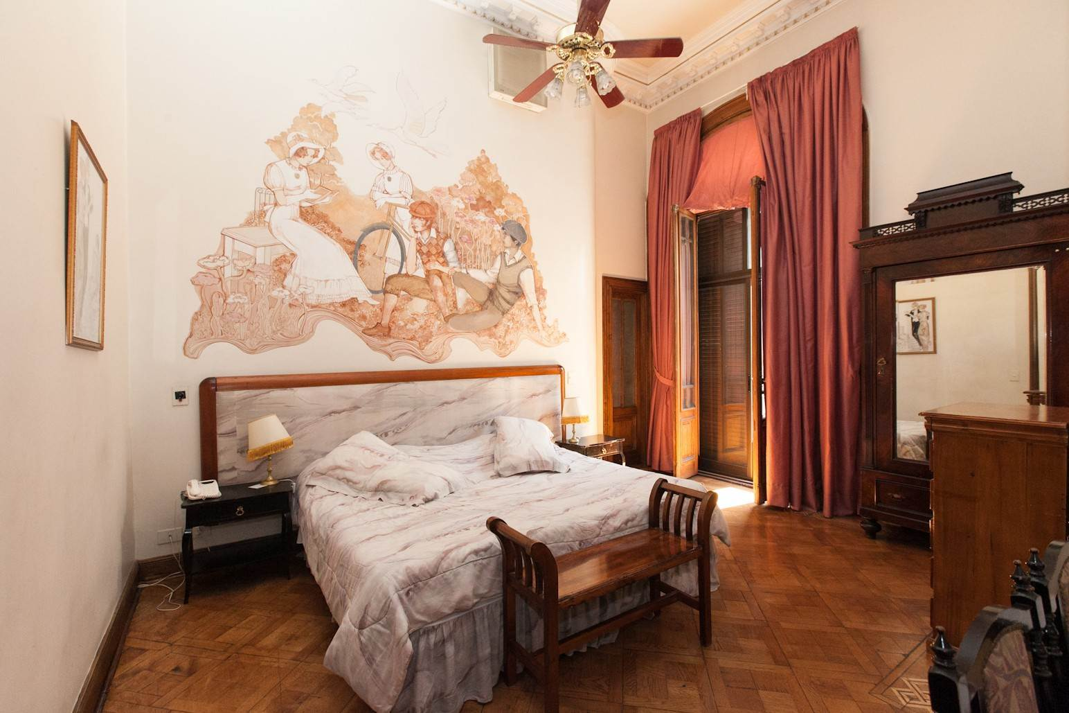 9. Single Family Home 为 销售 在 Enchanting~Completely Refurbished Mansion - Great Feng Shui! San Telmo, Ciudad De Buenos Aires, 布宜诺斯艾利斯, 阿根廷