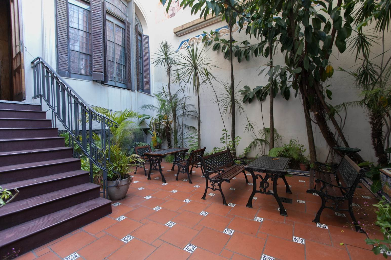 11. Single Family Home 为 销售 在 Enchanting~Completely Refurbished Mansion - Great Feng Shui! San Telmo, Ciudad De Buenos Aires, 布宜诺斯艾利斯, 阿根廷