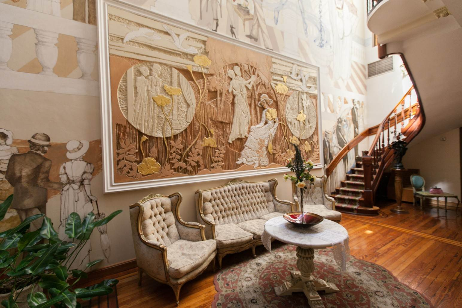Single Family Home 为 销售 在 Enchanting~Completely Refurbished Mansion - Great Feng Shui! San Telmo, Ciudad De Buenos Aires, 布宜诺斯艾利斯, 阿根廷