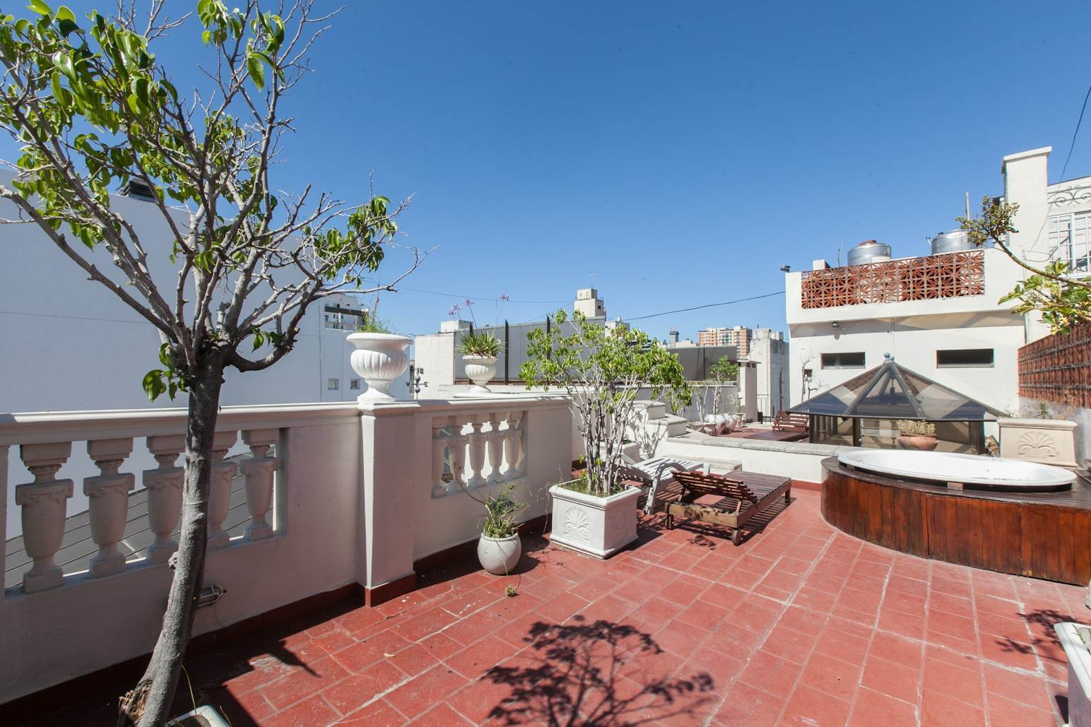 19. Single Family Home 为 销售 在 Enchanting~Completely Refurbished Mansion - Great Feng Shui! San Telmo, Ciudad De Buenos Aires, 布宜诺斯艾利斯, 阿根廷