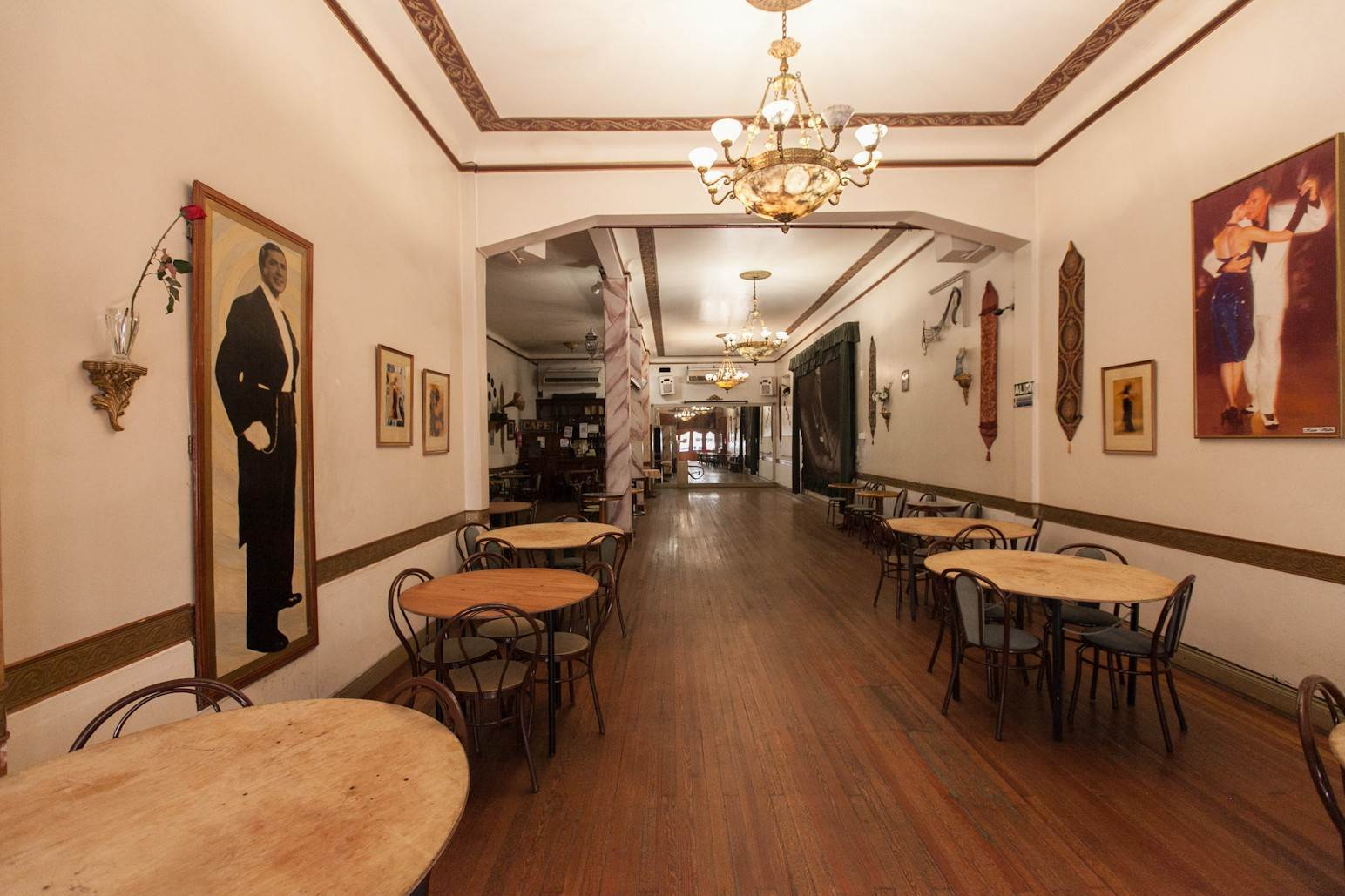 27. Single Family Home 为 销售 在 Enchanting~Completely Refurbished Mansion - Great Feng Shui! San Telmo, Ciudad De Buenos Aires, 布宜诺斯艾利斯, 阿根廷