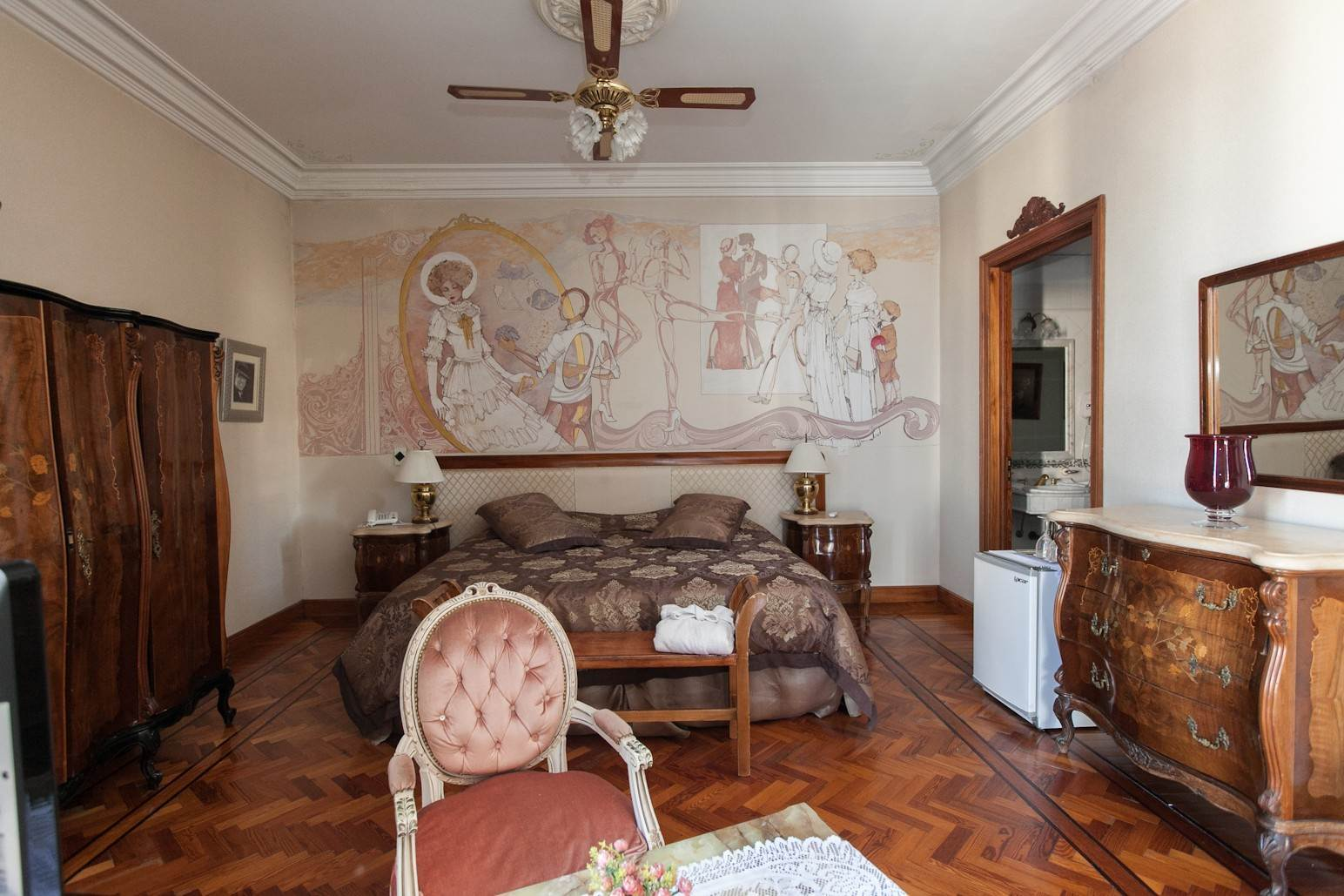 30. Single Family Home 为 销售 在 Enchanting~Completely Refurbished Mansion - Great Feng Shui! San Telmo, Ciudad De Buenos Aires, 布宜诺斯艾利斯, 阿根廷