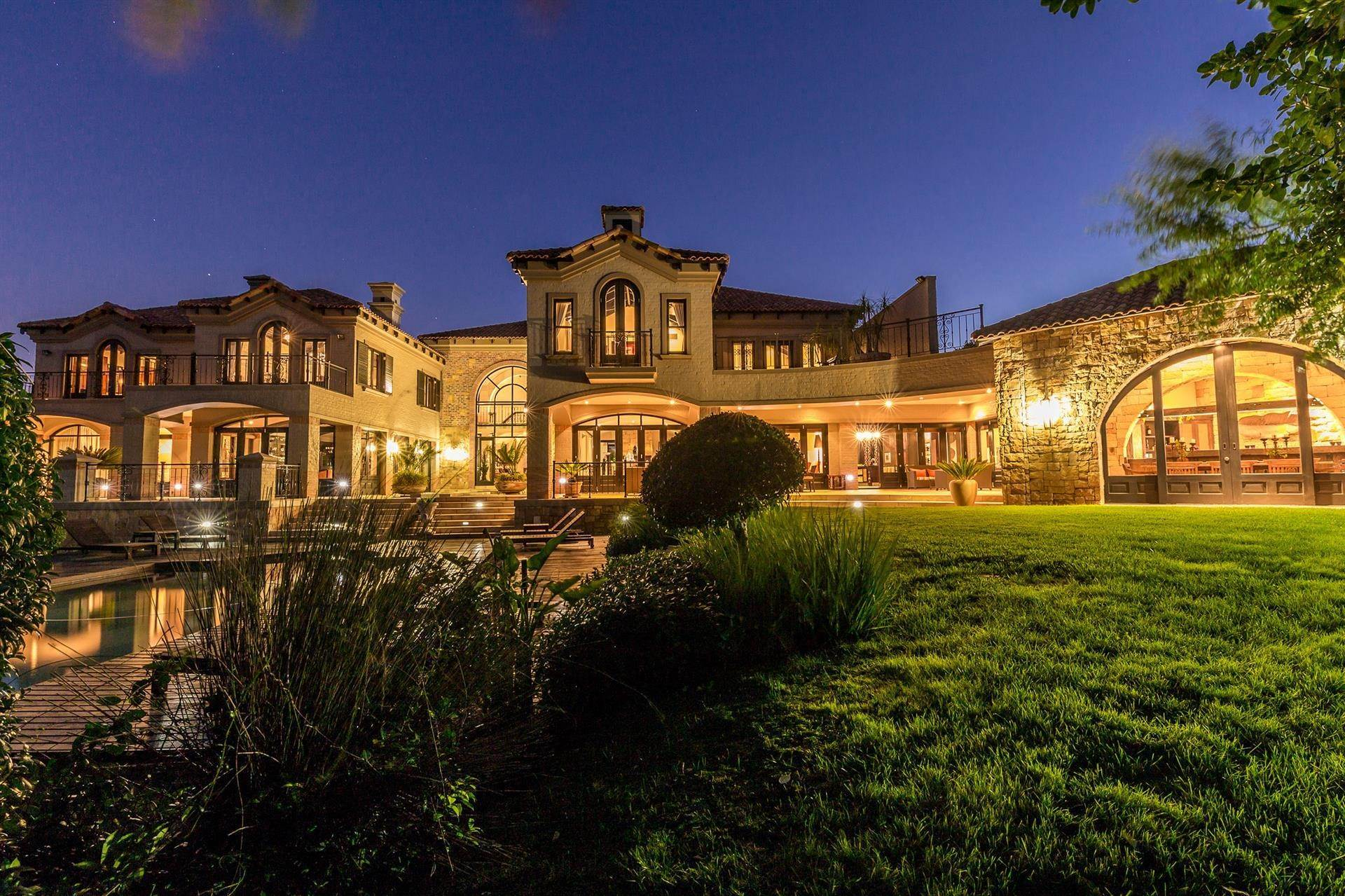 2. Estate for Sale at DISCREET LIFESTYLE FOR HIGH PROFILE INVESTORS Constantia, Western Cape,8001 South Africa