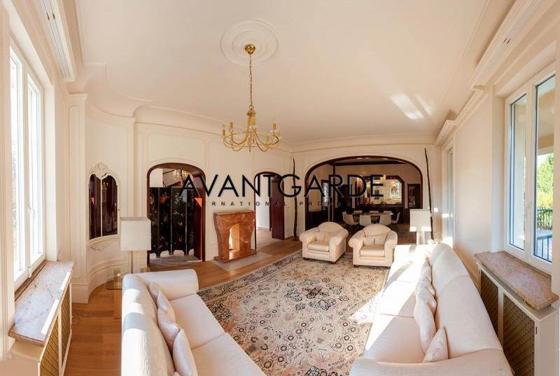 Villa/Townhouse for Sale at Luxurious mansion nearby Schönbrunn Vienna, Vienna,1130 Austria