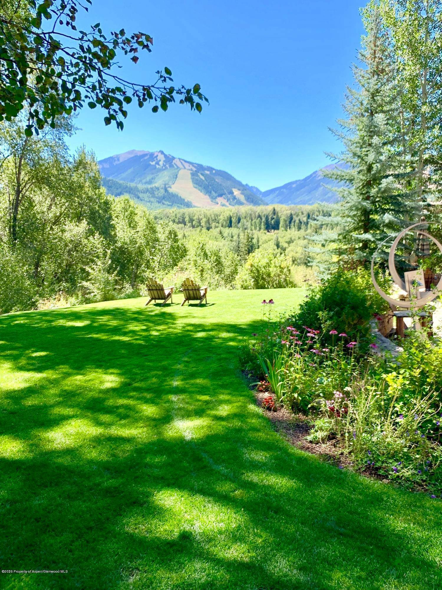 19. Single Family Home por un Venta en 904 Willoughby Way Aspen, Colorado,81611 Estados Unidos