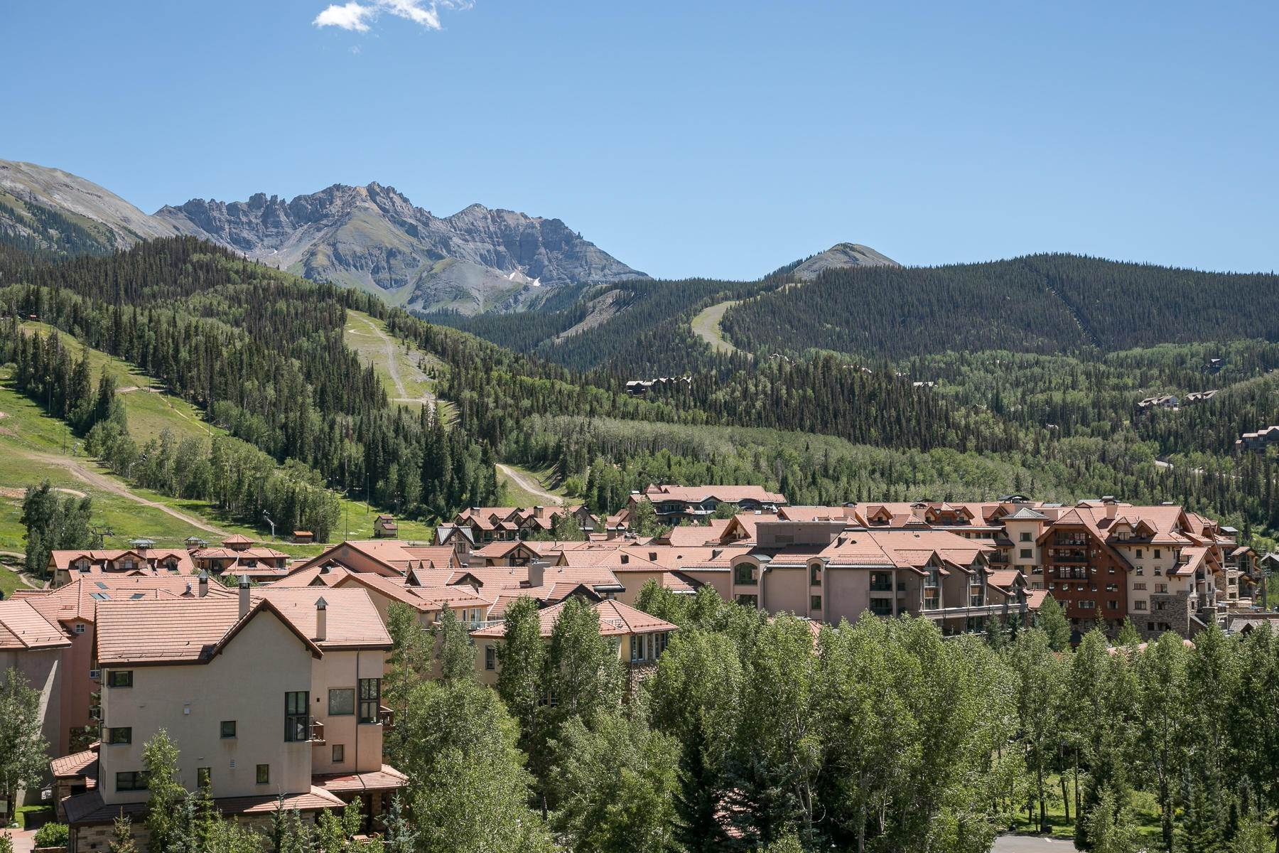23. Condominium for Sale at 117 Sunny Ridge Place Mountain Village, Colorado,81435 United States