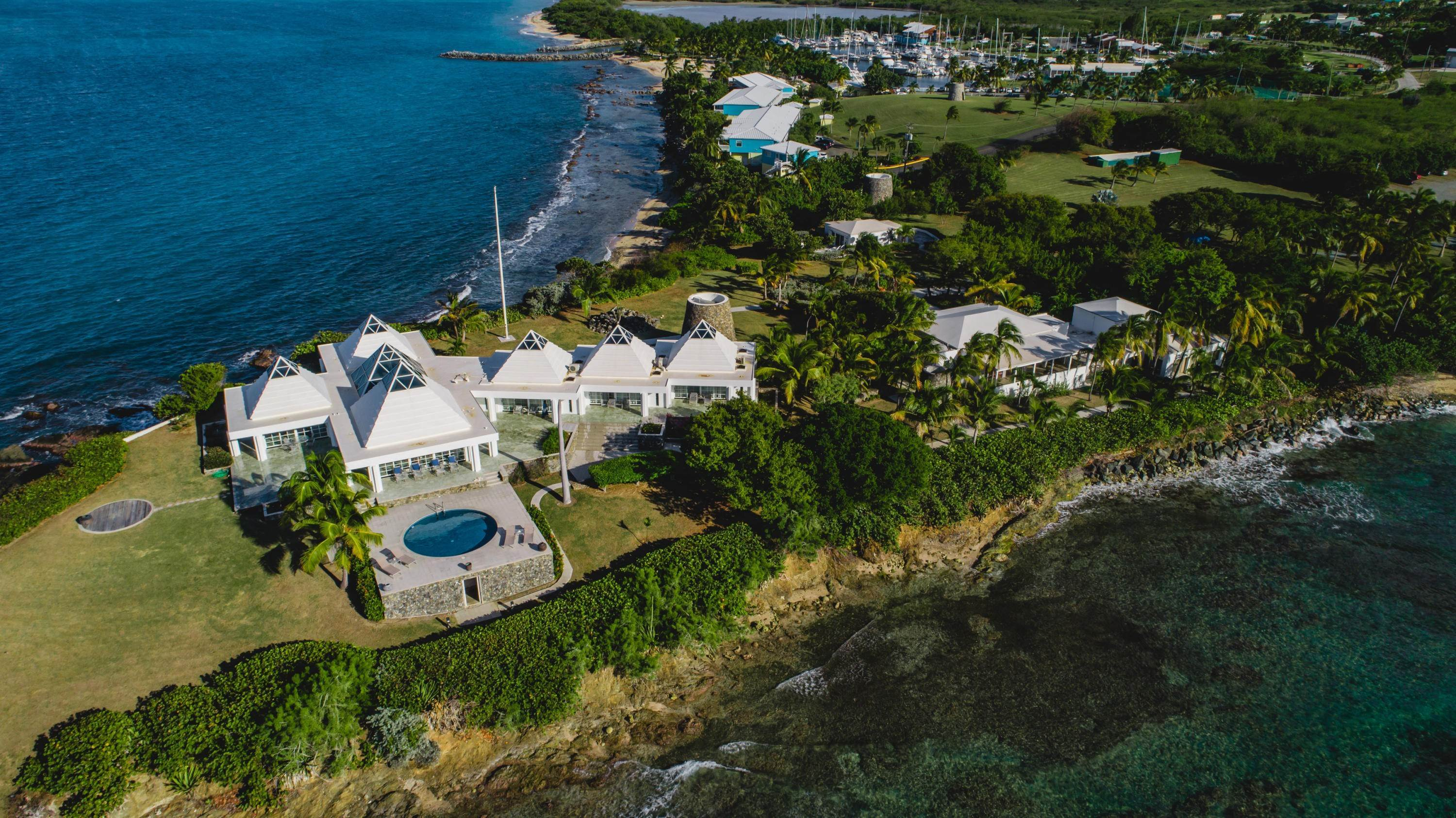 6. 저택 용 매매 에 Private St. Croix Compound with Three Guest Houses 1 Anna's Hope EA St Croix, Virgin Islands,00820 미국령 버진 아일랜드