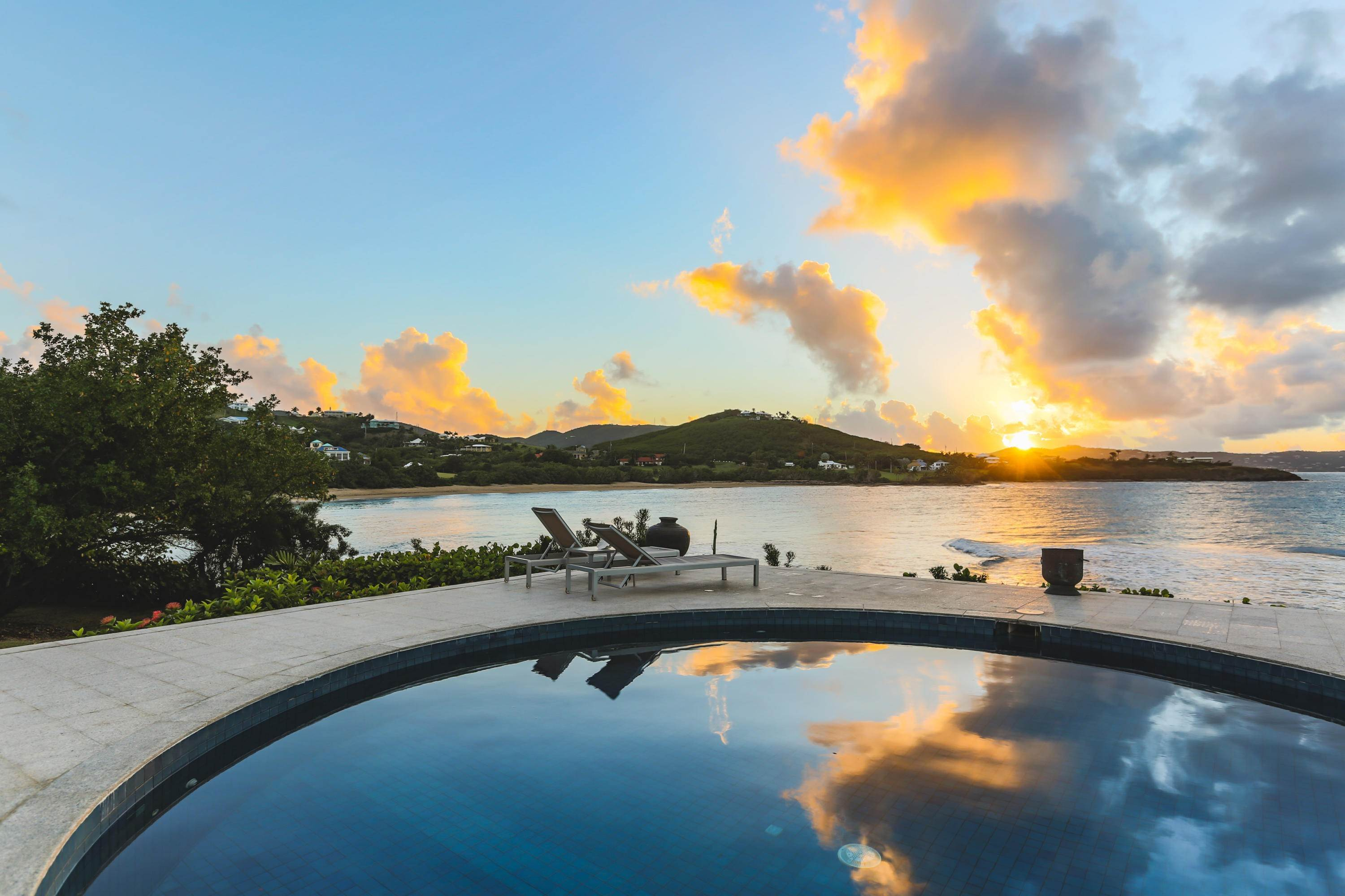 12. 저택 용 매매 에 Private St. Croix Compound with Three Guest Houses 1 Anna's Hope EA St Croix, Virgin Islands,00820 미국령 버진 아일랜드