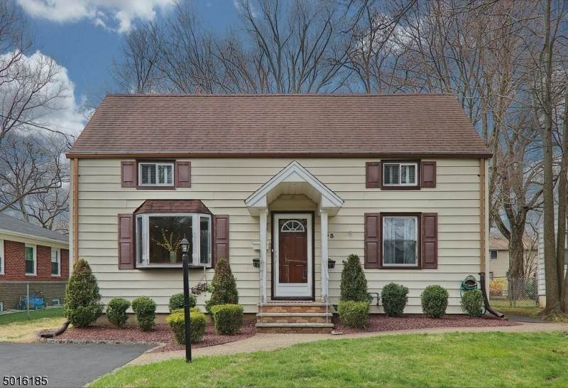 Single Family Home for Sale at 133 WILLOUGHBY ROAD Fanwood, New Jersey,07023 United States