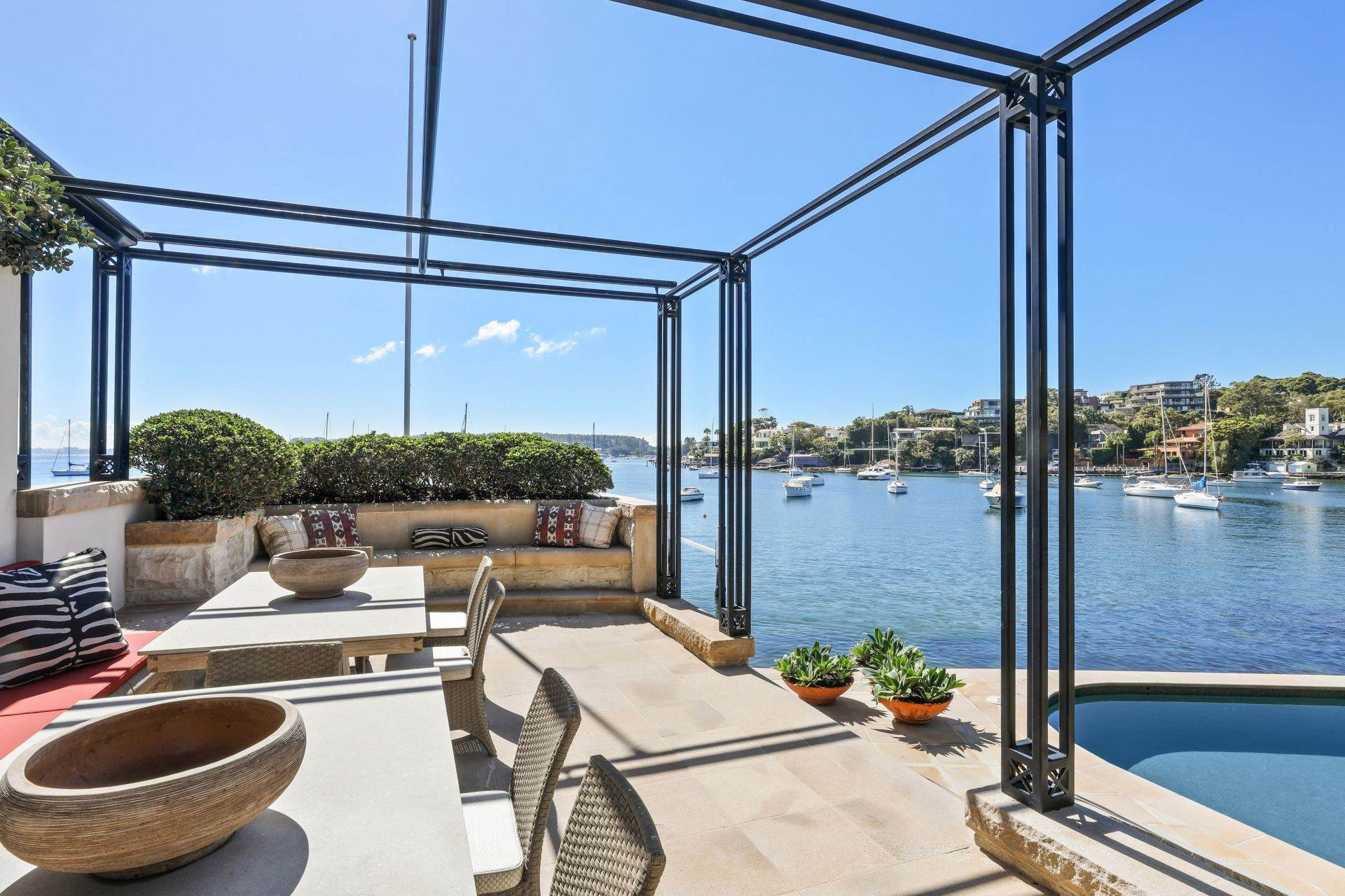 5. Single Family Home for Sale at Absolute Waterfront Estate With World-Class Boating Facilities 21 Coolong Road Vaucluse, New South Wales,2030 Australia