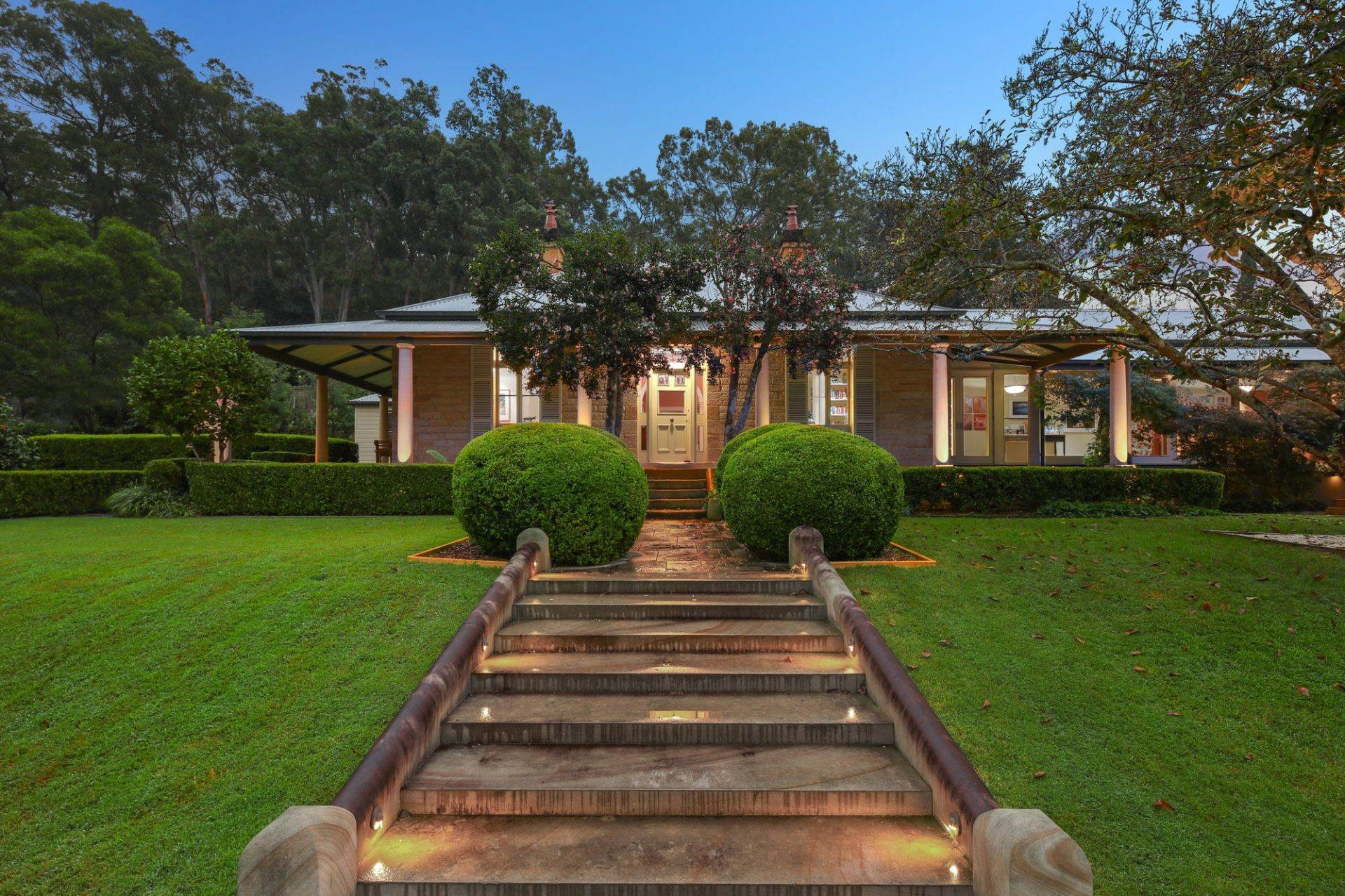 Single Family Home for Sale at VENETIAVILLE A touch of history, glorious park-like lifestyle retreat An oasis of calm, stunning lifestyle estate 1235 West Portland Road New South Wales,2756 Australia