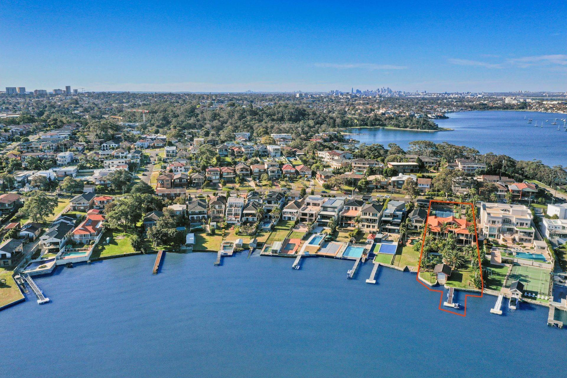 Single Family Home for Sale at Private and prestigious waterfront resort Superb waterfront estate with all the extras 6 Townson Street New South Wales,2221 Australia