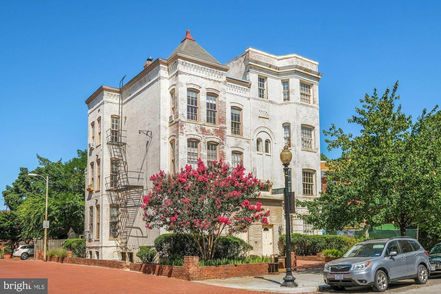 Villa/Townhouse for Sale at Twin/Semi-Detached, Multi-Family - WASHINGTON, DC 115 12TH ST SE Washington, District Of Columbia,20003 United States