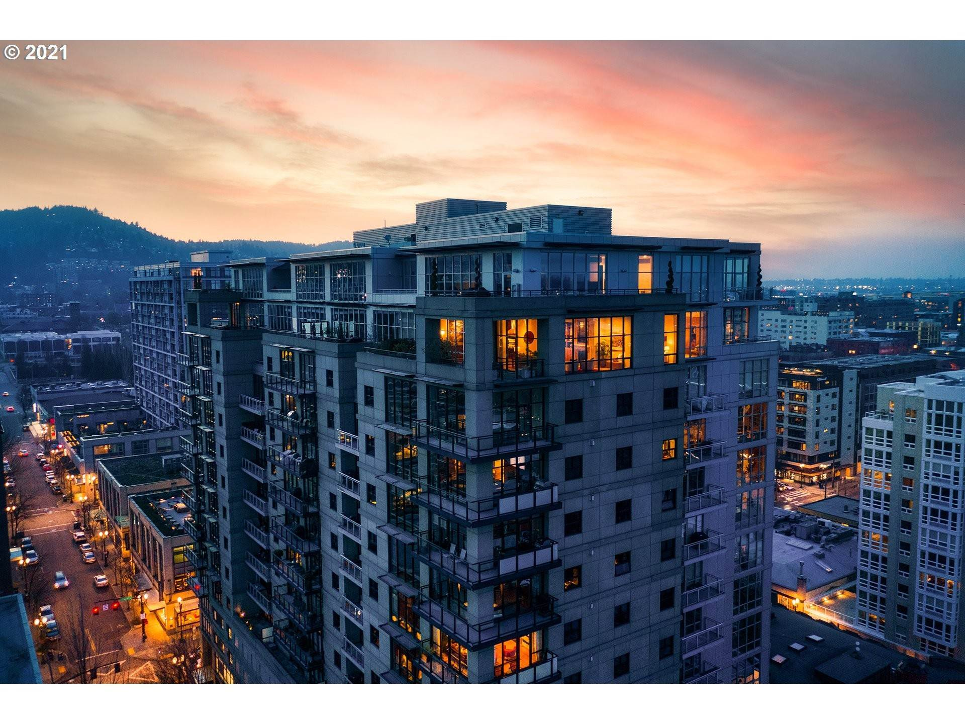 Single Family Home for Sale at The Henry Penthouse 1025 NW COUCH ST Portland, Oregon,97209 United States