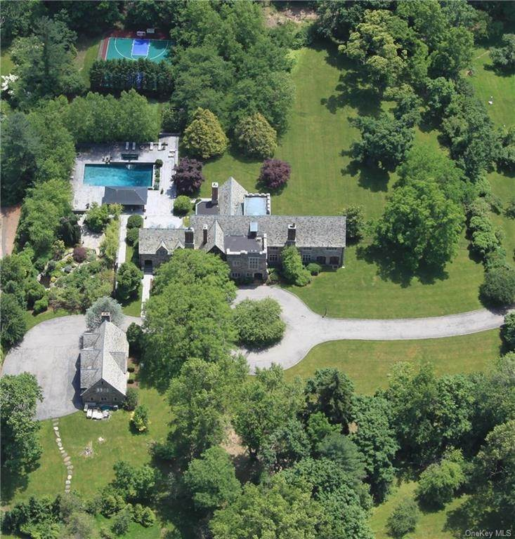 Single Family Home のために 売買 アット 57 Birchall Drive Scarsdale, ニューヨーク,10583 アメリカ