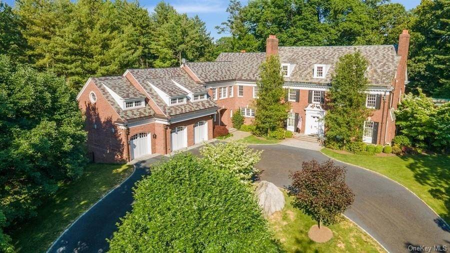 Single Family Home のために 売買 アット 57 Old Orchard Lane Scarsdale, ニューヨーク,10583 アメリカ