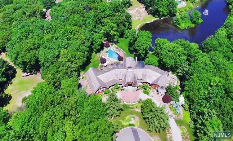 Single Family Home for Sale at 876 TRAILING RIDGE ROAD Franklin Lakes, New Jersey,07417 United States