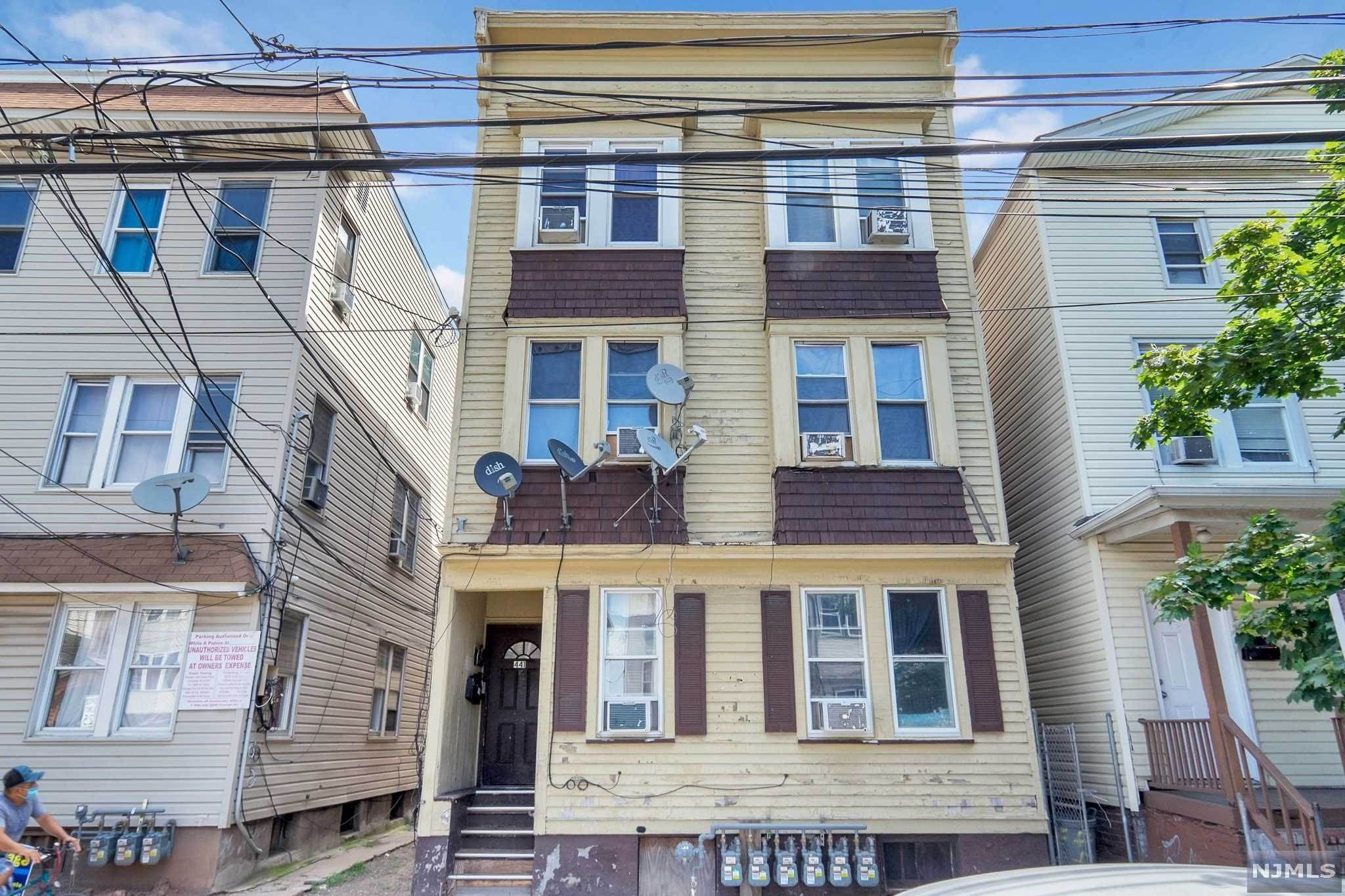 Commercial / Office for Sale at 441 Marshall Street Elizabeth, New Jersey,07206 United States