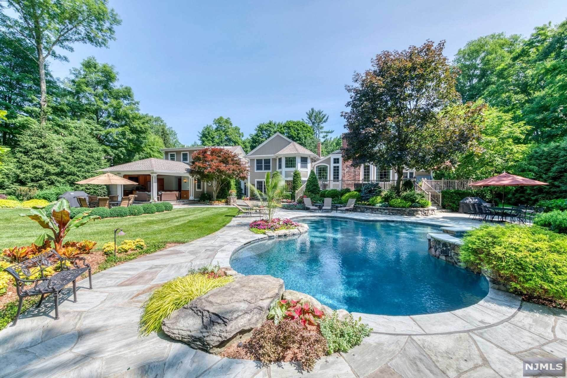 Single Family Home for Sale at 8 Brook Road Upper Saddle River, New Jersey,07458 United States