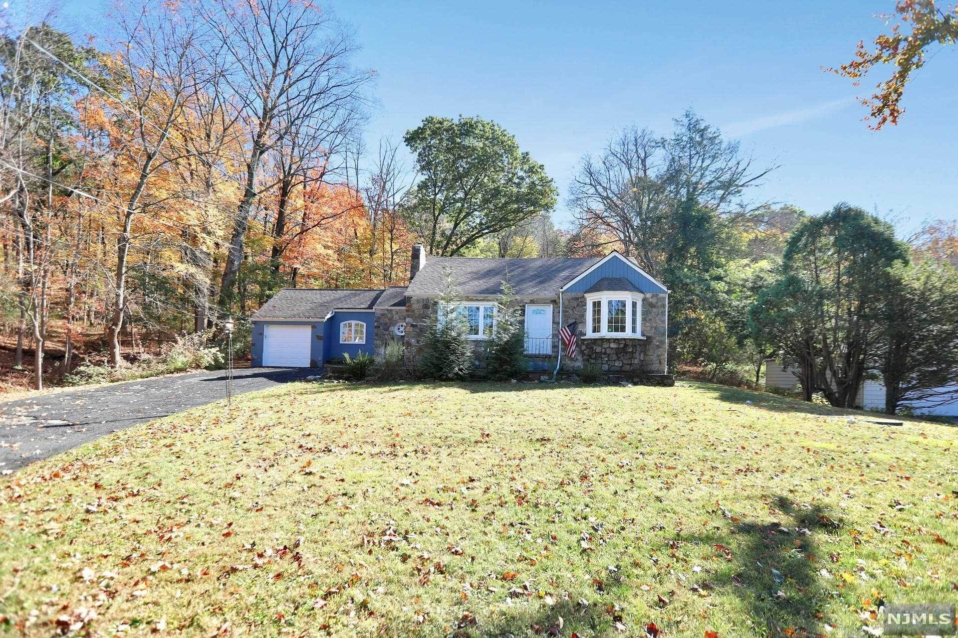 Single Family Home for Sale at 2 Ramapo Valley Road Oakland, New Jersey,07436 United States