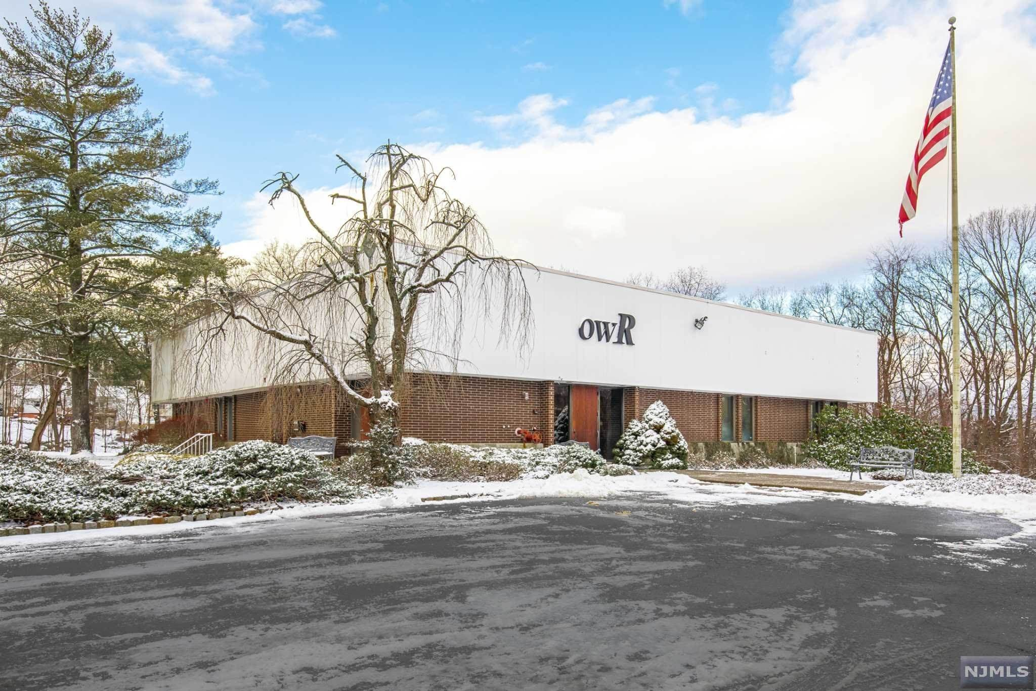 Commercial / Office for Sale at 6 Raritan Road Oakland, New Jersey,07436 United States