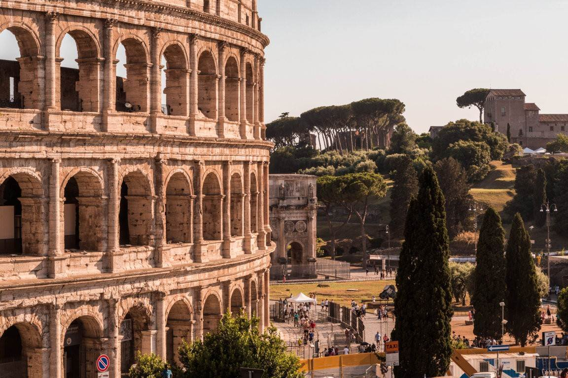 3. Apartamento por un Venta en Rome, prestigious apartment with breath-taking view of the Coliseum and the Ancient Rome Rome, Italia