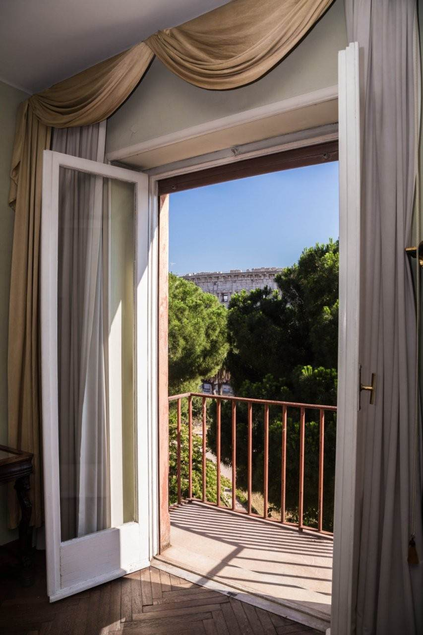 16. Apartamento por un Venta en Rome, prestigious apartment with breath-taking view of the Coliseum and the Ancient Rome Rome, Italia