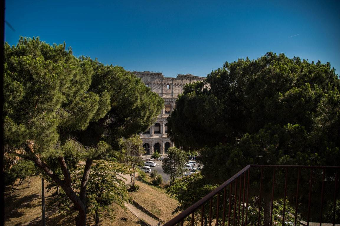 27. Apartamento por un Venta en Rome, prestigious apartment with breath-taking view of the Coliseum and the Ancient Rome Rome, Italia