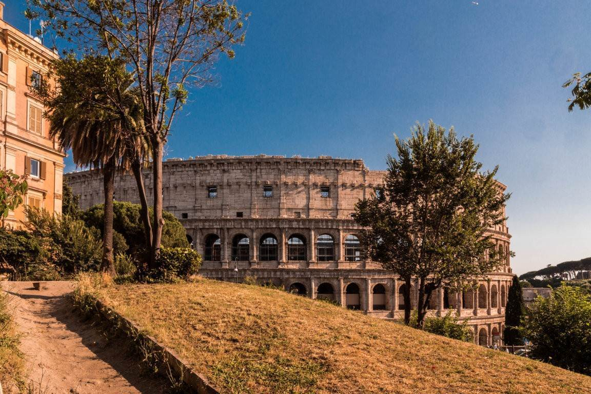 59. Apartamento por un Venta en Rome, prestigious apartment with breath-taking view of the Coliseum and the Ancient Rome Rome, Italia