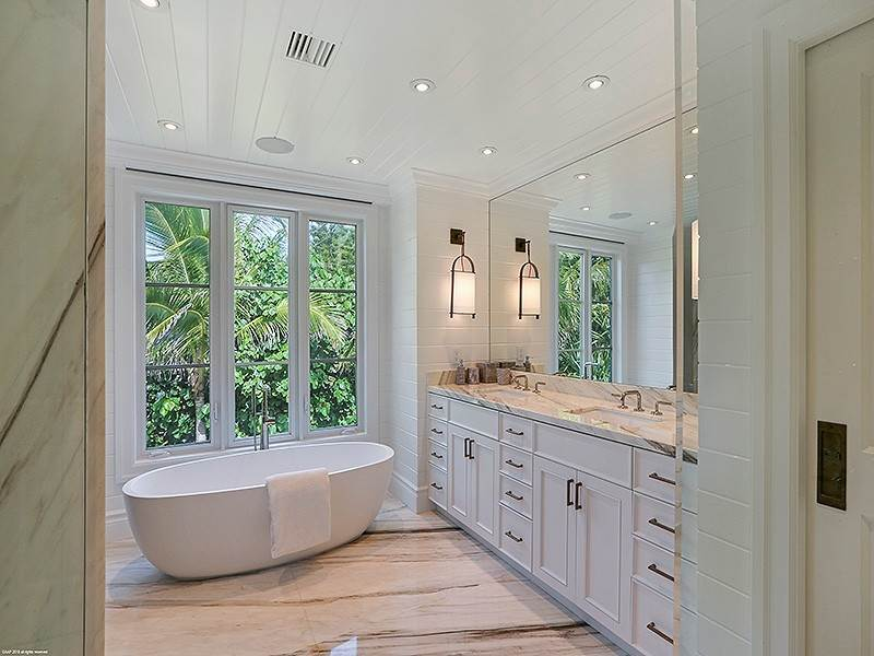 40. Single Family Home vì Bán tại The Ultimate in Oceanfront Living Jupiter Island, Florida,33455 Hoa Kỳ