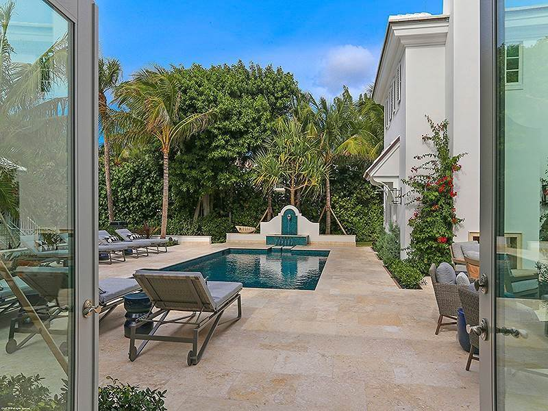 28. Single Family Home vì Bán tại The Ultimate in Oceanfront Living Jupiter Island, Florida,33455 Hoa Kỳ